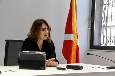 La regidora d'Habitatge durant la roda de premsa (foto: Ajuntament de Rubí – Localpres).