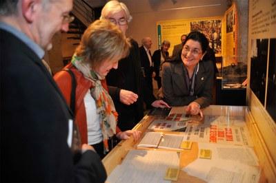La mostra inclou molts documents de l'època (foto: Localpres).