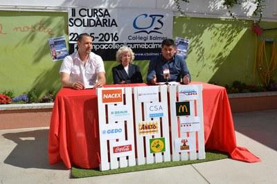 César Obea, Rosa Maria Solvas i Juan López, durant la presentació de la 2a Cursa solidària Col·legi Balmes.