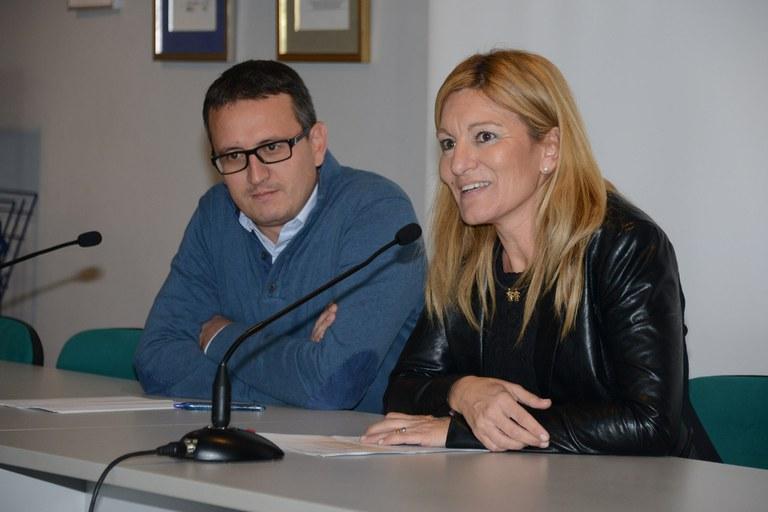 El regidor Rafael Güeto i l'alcaldessa, Ana María Martínez (foto: Localpres)