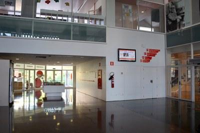 La Biblioteca Municipal Mestre Martí Tauler és un dels dos equipaments en què s'aplicaran millores el 2016 .