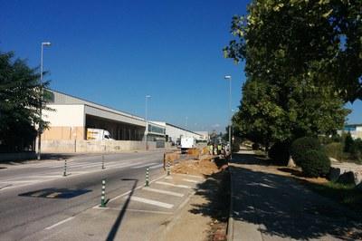 El carril bici que s'està construint al PAE La Llana tindrà una longitud d'uns dos quilòmetres.