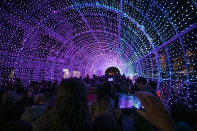 Vista del túnel de llum del Nadal de 2019 (foto: Ajuntament de Rubí - Lali Puig).