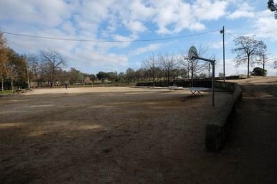 L'Ajuntament també vol endreçar l'espai poliesportiu informal existent (foto: Localpres)