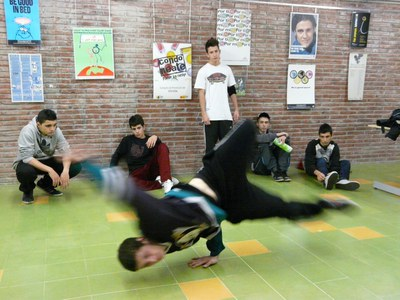 La Torre Bassas ofereix l''Espai Break dance' per tal que els joves puguin practicar aquesta disciplina.