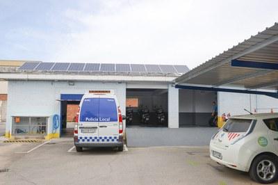 Part de l'energia solar de la nova fotolinera es destinarà al subministrament d'electricitat de la comissaria (foto: Localpres).