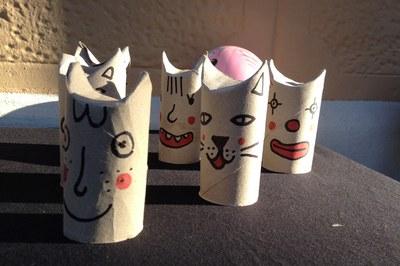 Els materials reciclats ens ofereixen moltes possibilitats creatives a l'hora d'elaborar noves joguines.