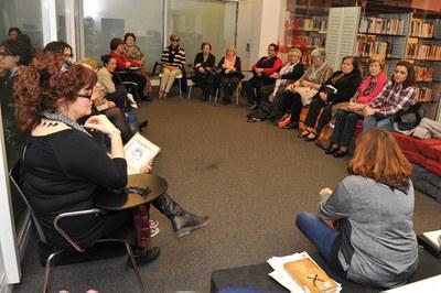 El programa d'activitats del Mes de les Dones ha comptat, entre d'altres, amb dues sessions del Club de Lectura Veus de dones (foto: Localpres).