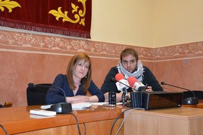 Marta Garcia i Aitor Sánchez, durant la presentació de les polítiques de diversitat funcional davant dels mitjans de comunicació.