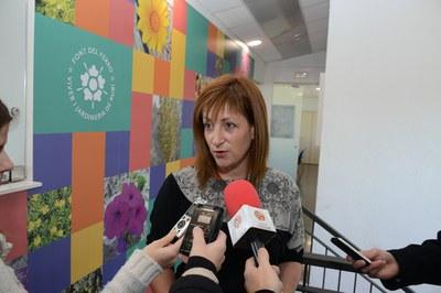 La regidora Marta García ha presentat el catàleg (Foto: Localpres).