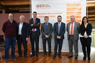 El regidor amb els representants empresarials.