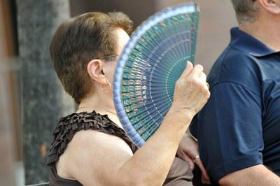 La gent gran és un dels col•lectius més vulnerables a les altes temperatures (foto: Lídia Larrosa).
