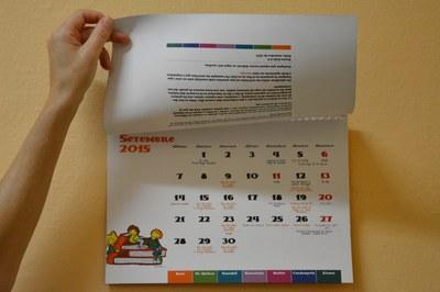 El calendari inclou les activitats dels diversos municipis diferenciades per colors.