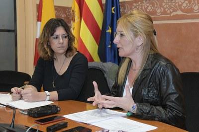 L'alcaldessa i la segona tinent d'alcaldia, durant la compareixença de premsa (foto: Ajuntament de Rubí - Localpres).