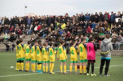 La tribuna del CF Can Fatjó es cobrirà per oferir ombra a la part central de la grada (foto: Ajuntament de Rubí).