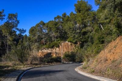 Les tasques d'asfaltatge han permès millorar l'estat del ferm de diversos carrers (foto: Ajuntament de Rubí – Localpres).