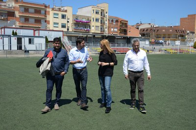 Els ajuts per facilitar que els infants i joves en edat escolar puguin practicar esport s'han presentat al camp de futbol 25 de Setembre (foto: Localpres).