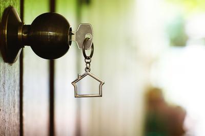 L'Ajuntament ofereix un taller de cerca d'habitatge a persones en risc d'exclusió residencial.