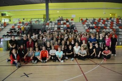 A la trobada hi han participat unes 200 persones que participen als grups de gimnàstica de manteniment (foto: Localpres)
