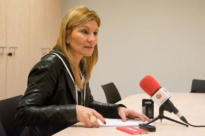 L'alcaldessa ha presentat la nova oficina (foto: Localpres).
