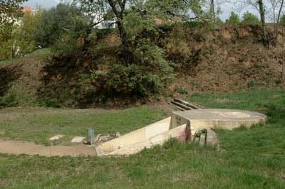 La de Ca n'Oriol és una de les cinc fonts naturals de Rubí que ragen aigua.