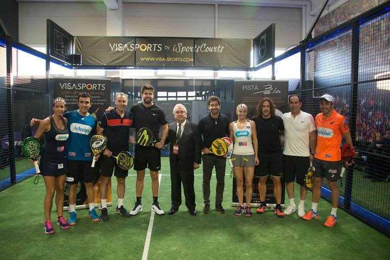 Durant la presentació de la nova pista s'ha celebrat un torneig de pàdel amb personalitats del món de l'esport (foto: Localpres)