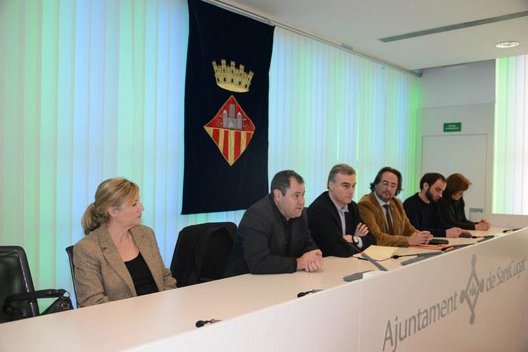 Manuel Velasco, intervenint durant la reunió entre la PAH i Catalunya Caixa (foto: Localpres)