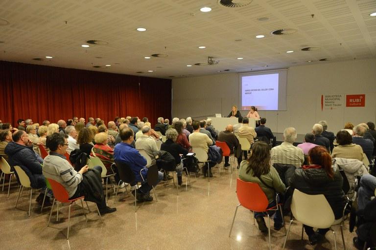 Unes 140 persones han assistit a la reunió informativa celebrada aquest dimecres (foto: Localpres)