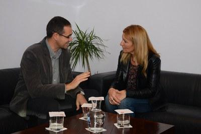 Ignasi Giménez i Ana María Martínez s'han reunit a l'Ajuntament (foto: Localpres).