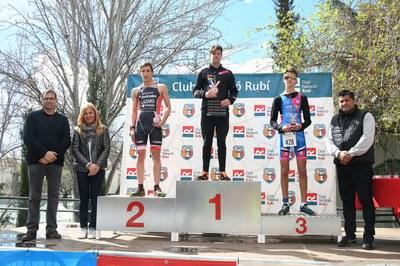 Els organitzadors de la 5a Duatló han premiat els atletes participants en diverses categories (foto: Localpres).