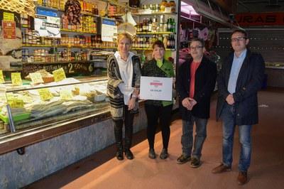 La parada del Mercat Municipal Lo Salat ha estat un dels comerços premiats (foto: Localpres).