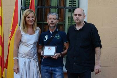 Per part dels Diables de la Riera de Rubí, han pujat a l'escenari Jordi Cots i Jaume Comas, president i cap de colla de l'entitat, respectivament (foto: Localpres)