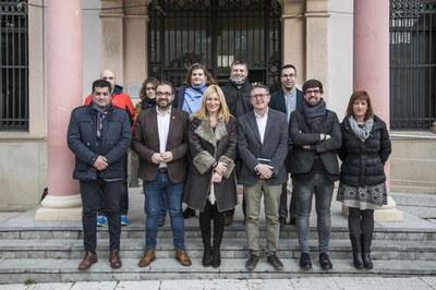 El delegat amb els representants del Ple (foto: Ajuntament - Lali Puig)