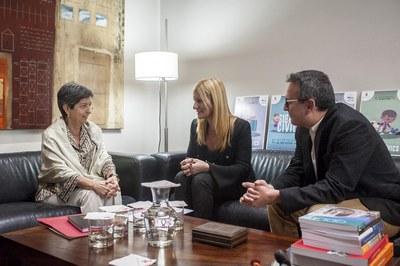 Cunillera, amb l'alcaldessa Ana María Martínez i el regidor Rafael Güeto (foto: Cesar Font).