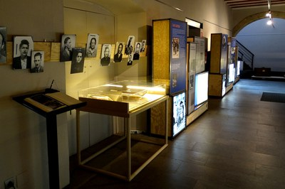 """Exposició """"Fugint de l'Holocaust. Catalunya i els refugiats jueus de la Segona Guerra Mundial""""."""