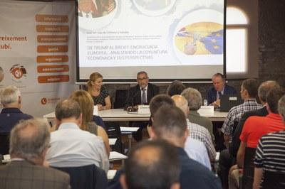 La conferència ha tingut lloc a la Masia de Can Serra (foto: Localpres).