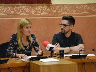 L'alcaldesa, Ana María Martínez, i el regidor de Serveis Centrals, Moisés Rodríguez, han presentat les ordenances.