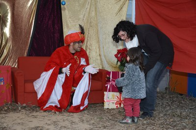 Una de les activitats programades ha estat la visita d'un patge reial (foto: Localpres).