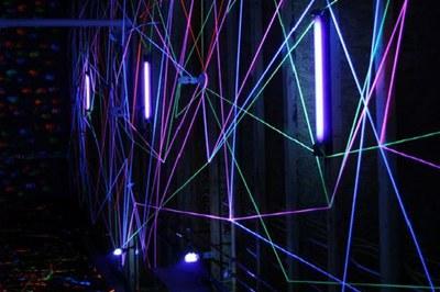 edRa convida els rubinencs a experimentar amb la llum negra (foto: edRa).