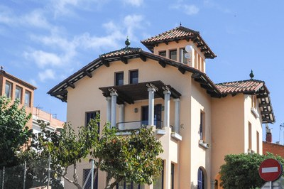 L'Espai d'orientació i recerca de beques és a l'edifici de la Torre Bassas.