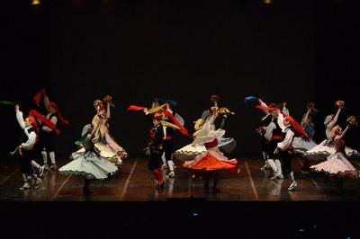 L'espectacle de l'Esbart tindrà lloc a la plaça del Doctor Guardiet (foto: Localpres) .
