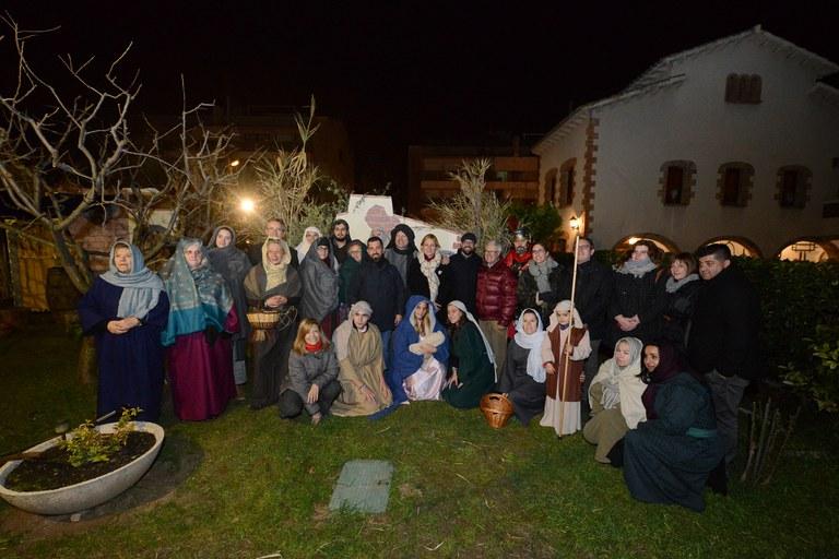 Foto de grup de tots els actors amb els representants municipals (foto: Localpres)