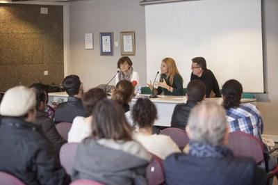Moret, Martínez i Güeto s'han dirigit als assistents abans de l'esmorzar relacional (foto: Localpres).