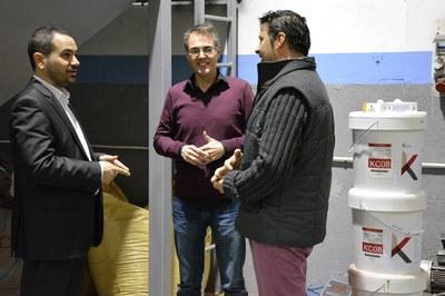 El regidor amb dos dels socis fundadors de Kliu Solutions.