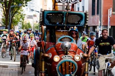 Ciclistes de totes les edats han recorregut la ciutat aquest diumenge (foto: Ajuntament de Rubí – Localpres).