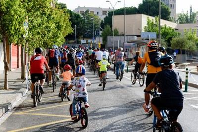 Participants a la Bicicletada (foto: Ajuntament de Rubí - Localpres)