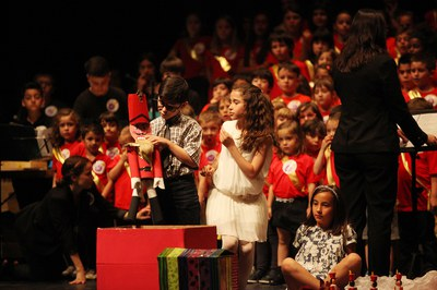 L'espectacle ha comptat amb els ninots realitzats per edRa (foto: Localpres)