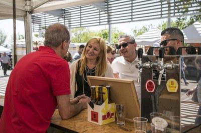 L'alcaldessa durant la seva visita a la Fira (foto: Localpres).