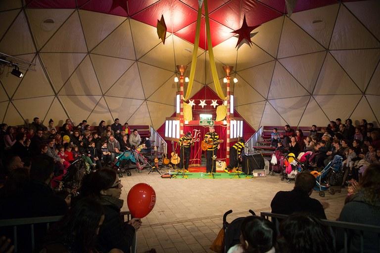 La fira s'ha inaugurat amb un espectacle de La tresca i la verdesca (foto: Localpres)