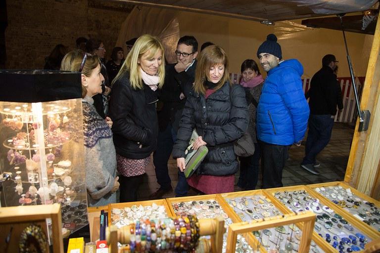 L'alcaldessa i els regidors del govern han estat dels primers a visitar la fira (foto: Localpres)